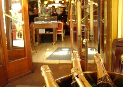 Taste-Scenario_viaggi-Champagne_bottiglie-bar