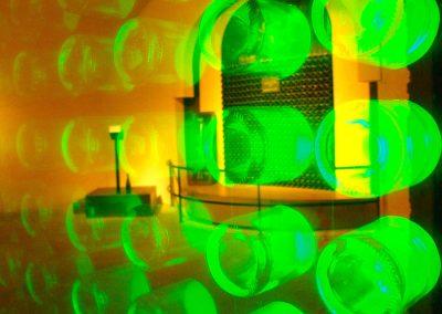 Taste-Scenario_viaggi-Champagne_bottiglie-illuminate