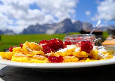 Taste-Scenario_viaggi-Dolomiti-to-hike_kaiserschmarrn