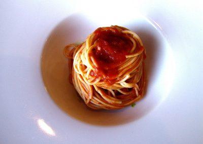 Taste-Scenario_viaggi-Pasta_chitarra-al-sugo