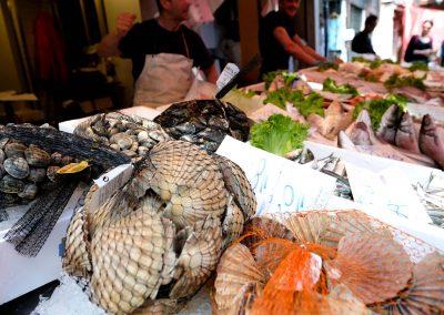 Taste-Scenario_viaggi-Street-Food_mercato